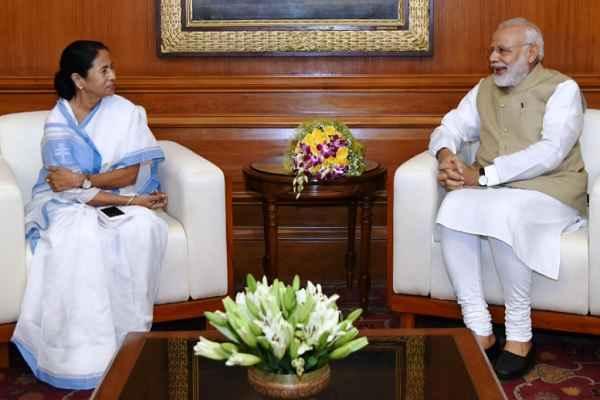 west-bengal-cm-mamata-banerjee-calls-pm-narendra-modi
