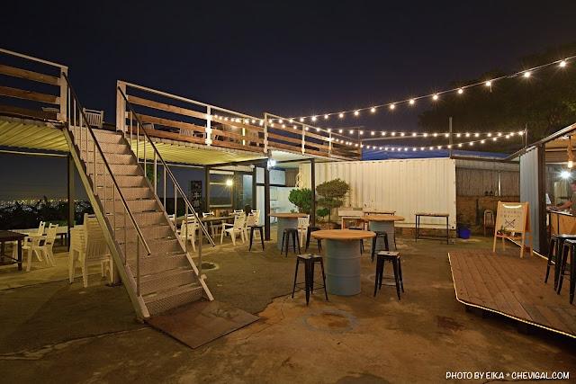 MG 2701 - Rico Noche cafe,台中最新夜景咖啡廳,貨櫃工業風搭配美麗燈泡好夢幻!