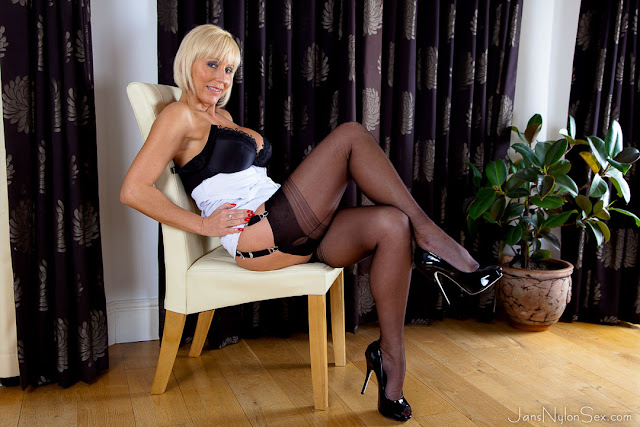 Milf And Mature Sex In Nylons 63