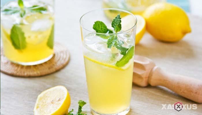 Minuman untuk diet alami dan cepat - Jus lemon dan lada