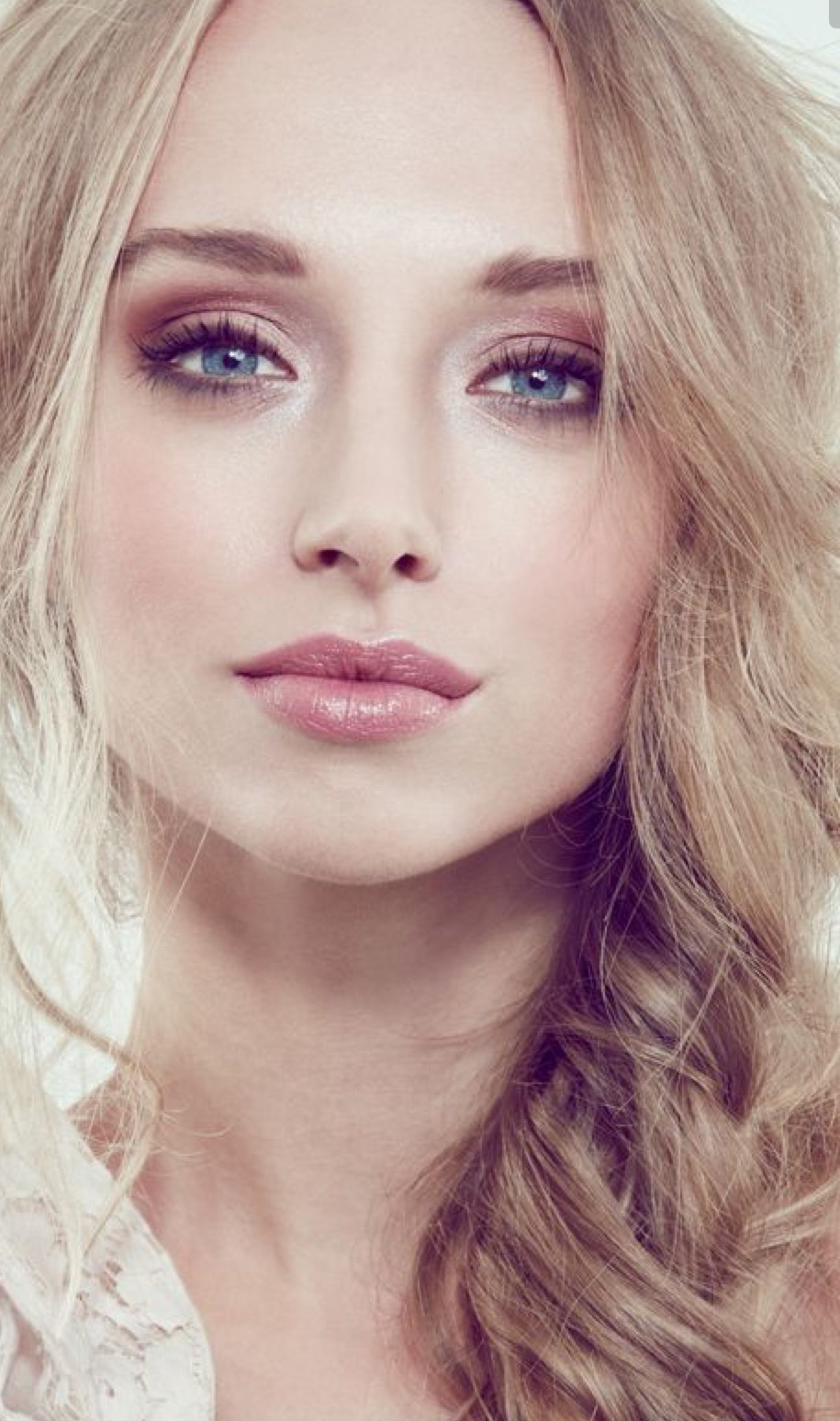 NIKI'S MAKE-UP BLOG: Prom Hair & Makeup Inspiration