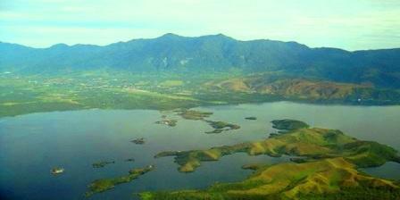 Danau Sentani cari tempat wisata di indonesia tempat wisata candi di indonesia tempat wisata curug di indonesia tempat wisata green canyon indonesia