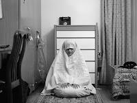 Ketahuilah Muslimah, Sholat di Rumah Sendiri Jauh Lebih Baik Dibandingkan di Masjid