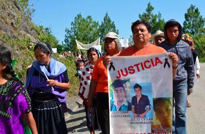Resultado de imagen para abejas ayotzinapa