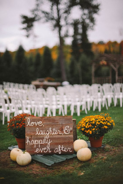 DIY fall wedding sign