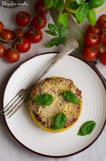 Polenta z sosem pomidorowym i grana padano