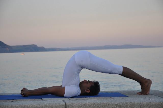 Trẻ hóa chỉ với 6 động tác Yoga này