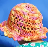 http://abunchofbuttons.blogspot.co.uk/p/little-sunshine-hat.html