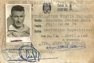 """El carnet de identidad de """"Servicios Especiales"""""""