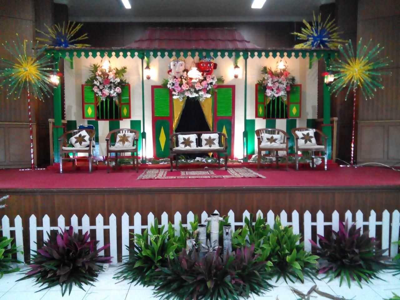 Gambang Kromong Dekorasi Betawi Patung Ondel Ondel