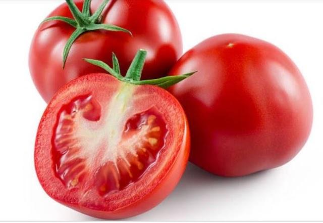 Demi Kesehatan, Ini Dia Manfaat Makan Tomat Mentah