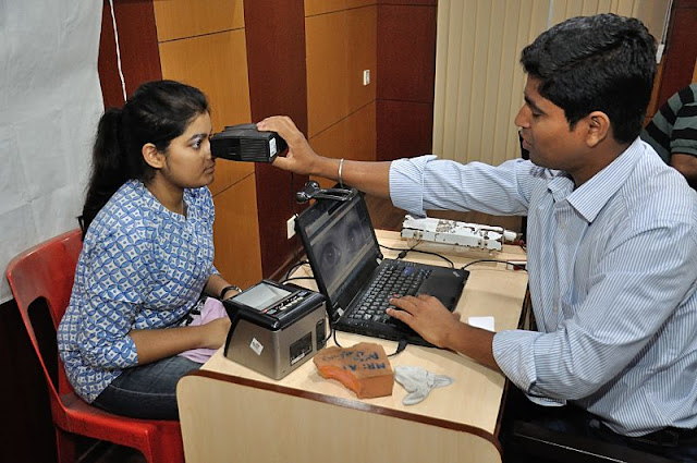 Image Attribute: Iris Scan - Biometric Data Collection - Aadhaar – Kolkata, West Bengal,India  / Source: Wikimedia Commons