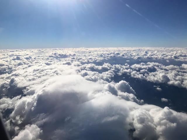 イメージ:雲の上