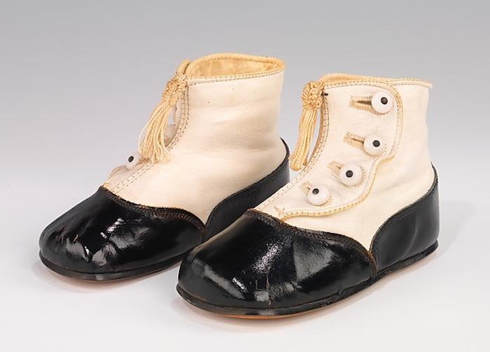 76c01ab88 A bela coleção de sapatos do Museu Metropolitan New York | Marte é ...