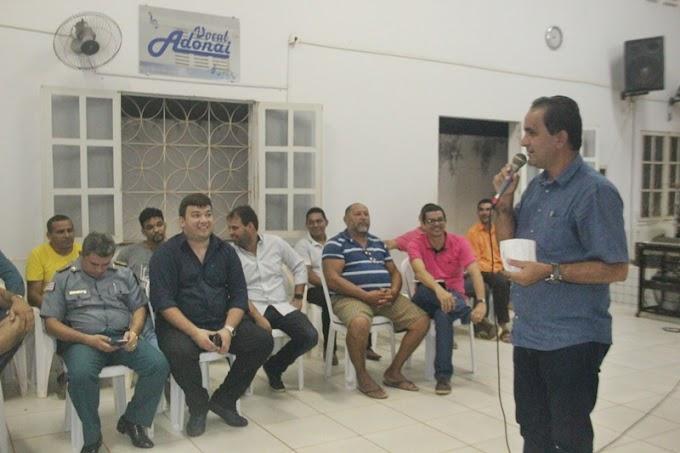 Prefeito de Pedreiras faz reunião com moradores do Bairro Maria Rita para.....
