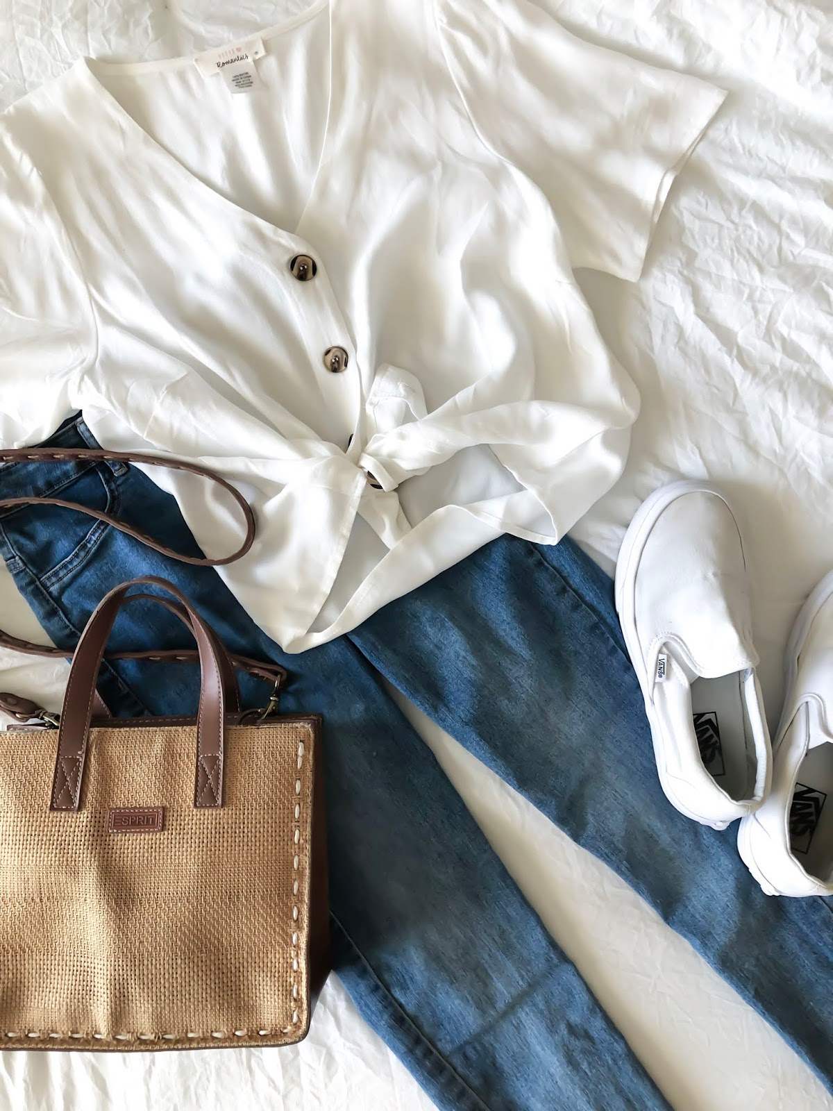 Blue-Jeans-Outfit-Spring