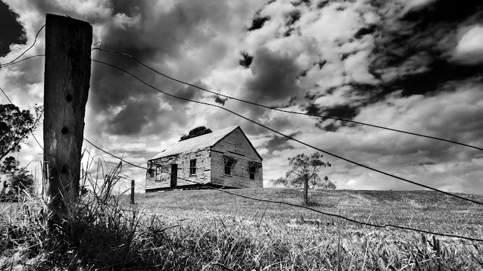 Wallpaper: Haunted House