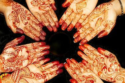 Henna Tangan Dan Kaki Untuk Pengantin