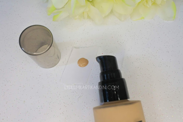 Review-Foundation-Make-Over-Powerstay-Liquid-Tahan-Lama