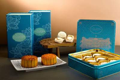 Source: Raffles Hotel. The Raffles mooncakes will be presented in blue tins this year.