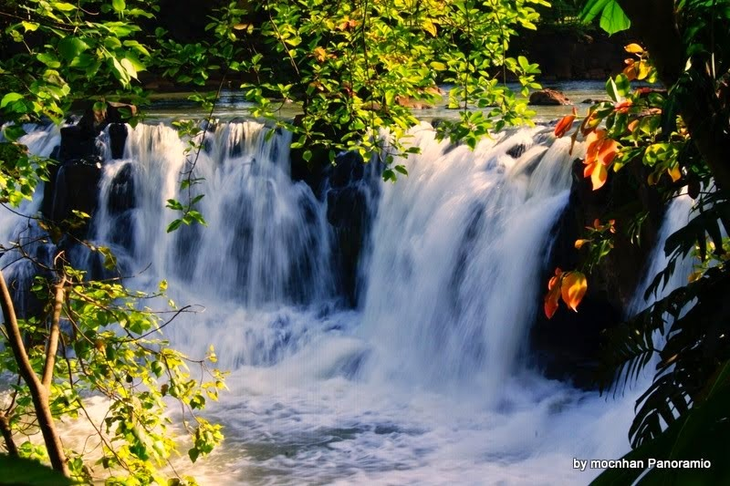 Giang Điền beautiful waterfall, most beautiful waterfall in Vietnam