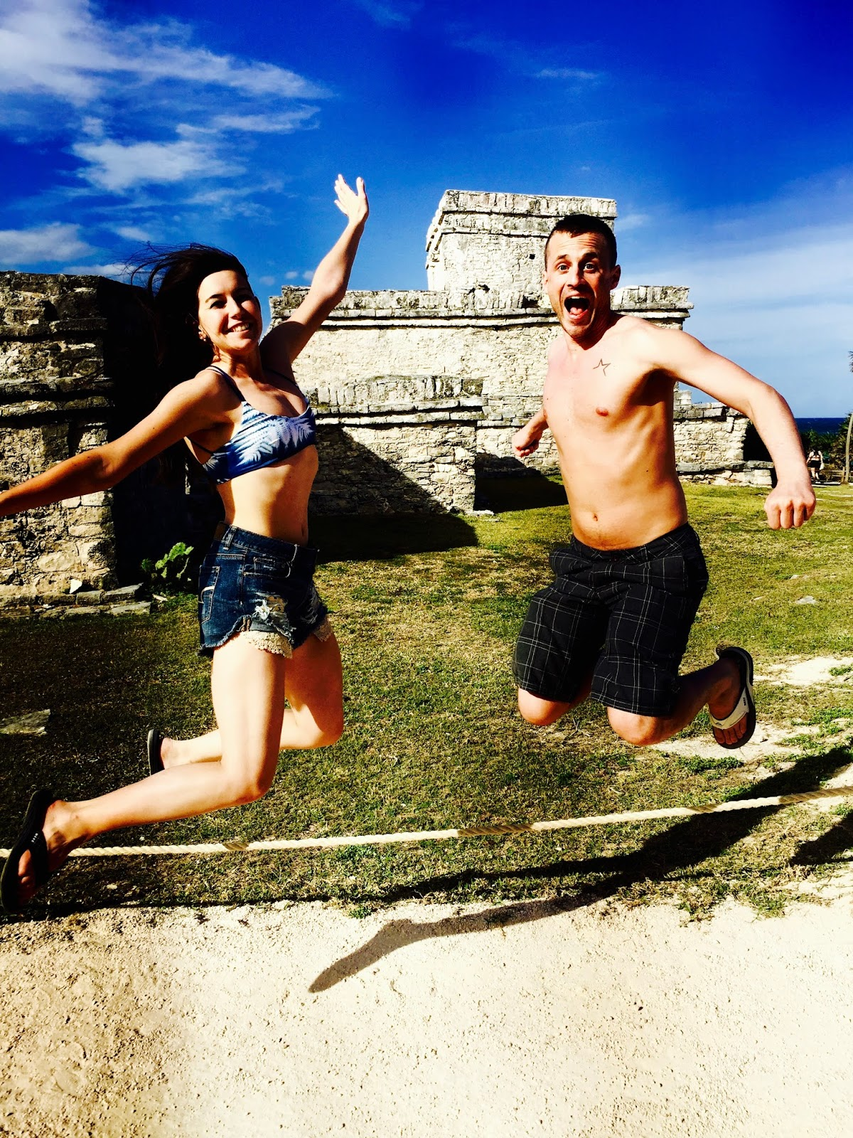 mexico, cancun, tulum, mexico vacation, spring break, playa del carmen, aztec ruins, beaches, cute couples at beach, jumping photos, love, traveling couple, traveling blog, travel, travel addicts,
