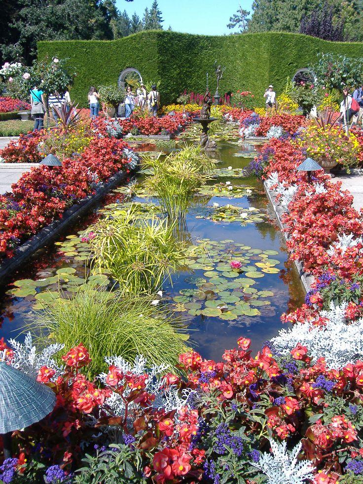 Secret Garden: First Collection Of The Most Wonderful Gardens Around The