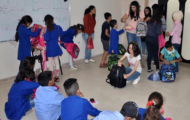 مبادرة لتوزيع القرطاسية واللباس المدرسي بالسويداء