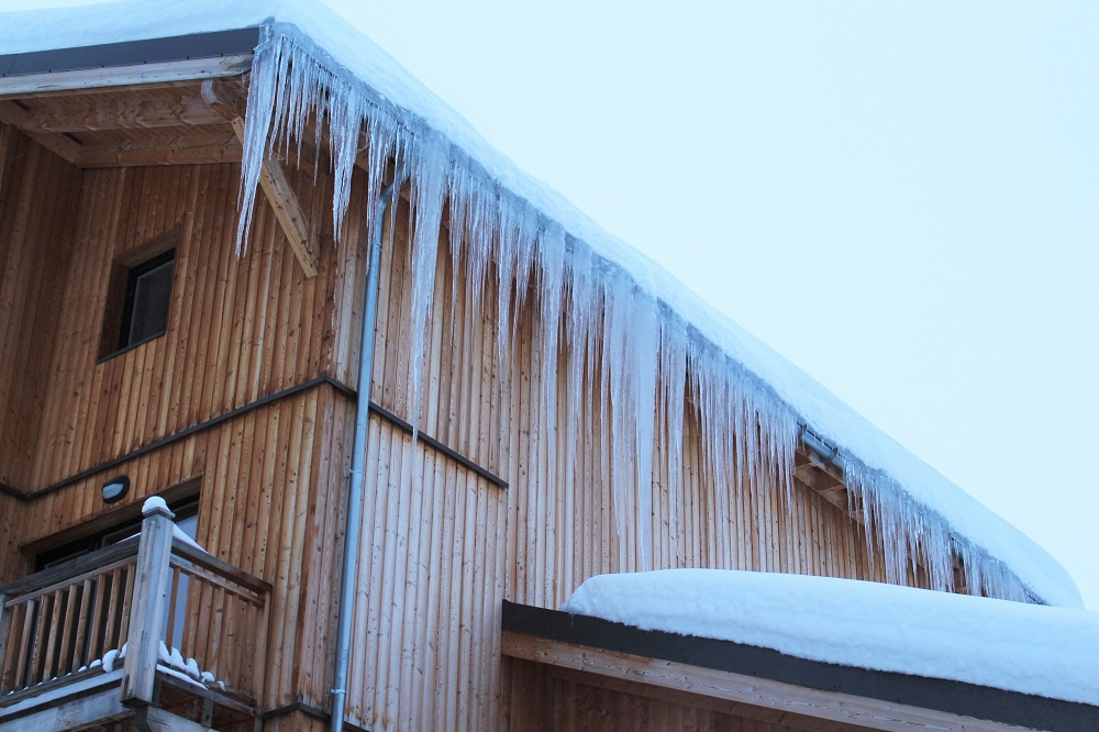 Icicles - Skiing at Val Thorens - ski holiday in the French Alps - travel blog