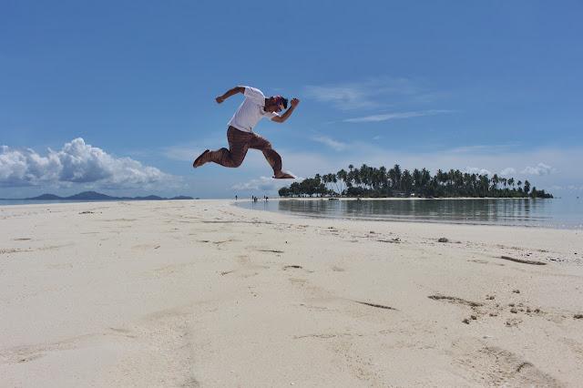 Marky Ramone Go jumping in Panampangan Island