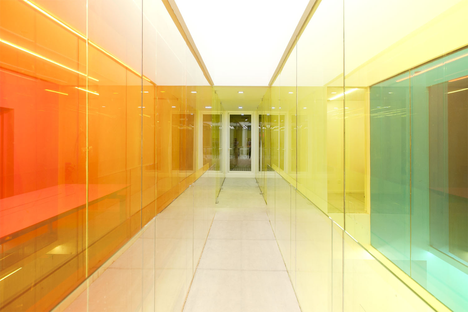21 cake headquarters by people s architecture office for Coloured glass panels