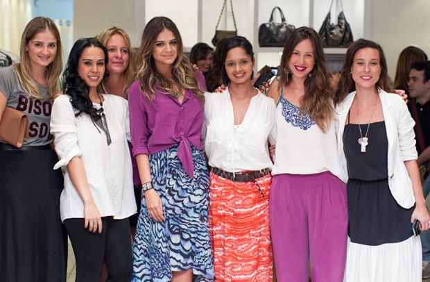 c2e268b9c A estilista da marca Fernanda Mansur, também veio a Curitiba especialmente  para conhecer as clientes de Curitiba. Equipe super querida ATEEN