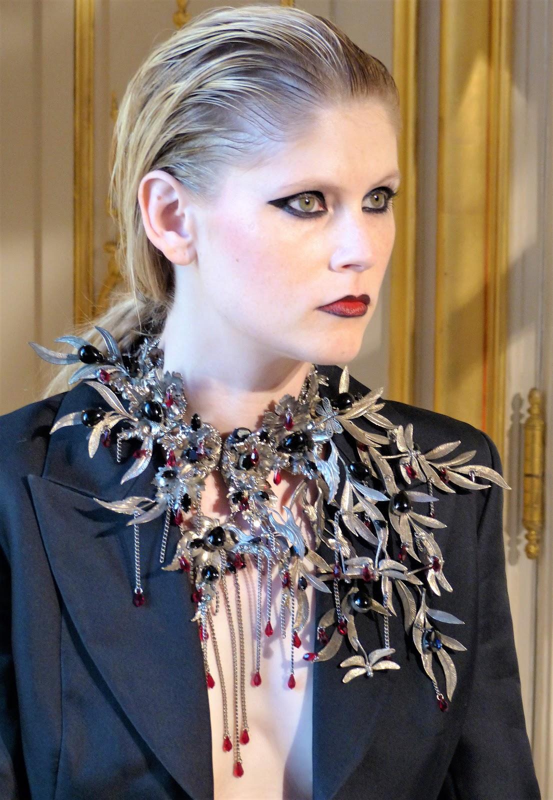 Mode, présentation bijoux Baroqco ligne Phoenix joaillerie d art Haute  Couture PFW automne-Hiver 2018-2019 e58f2b8286a5