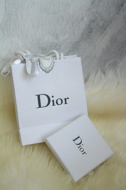 dior tribal earrings dior box miss en dior mise en dior dior bag pearl