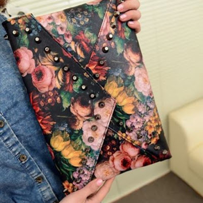 Vintage Women Rivets Handbag Flower Oil Painting Envelope Bag Shoulder Bag