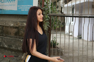 Bollywood Actress Sonali Bendre Spotted in Tracksuit at Spa  0009.jpg