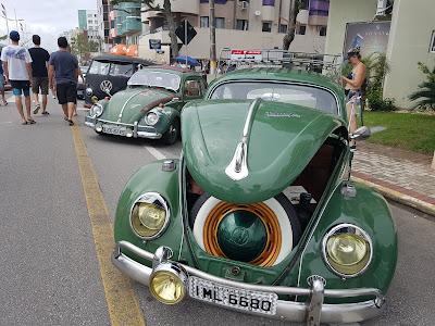 encontro de carros antigos em itapema