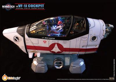 VF-1J Cockpit chiuso