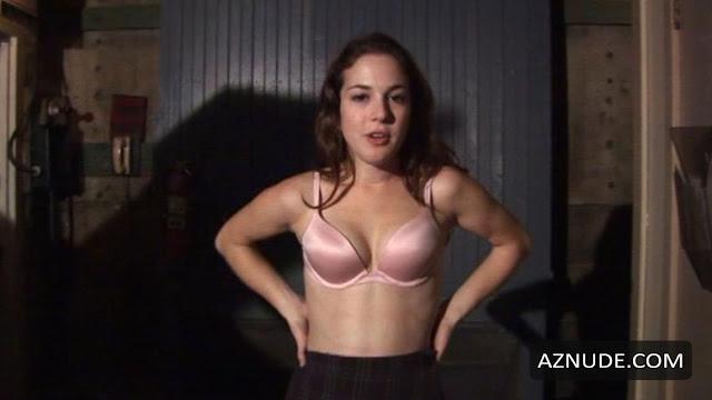 Martha Macisaac boobs