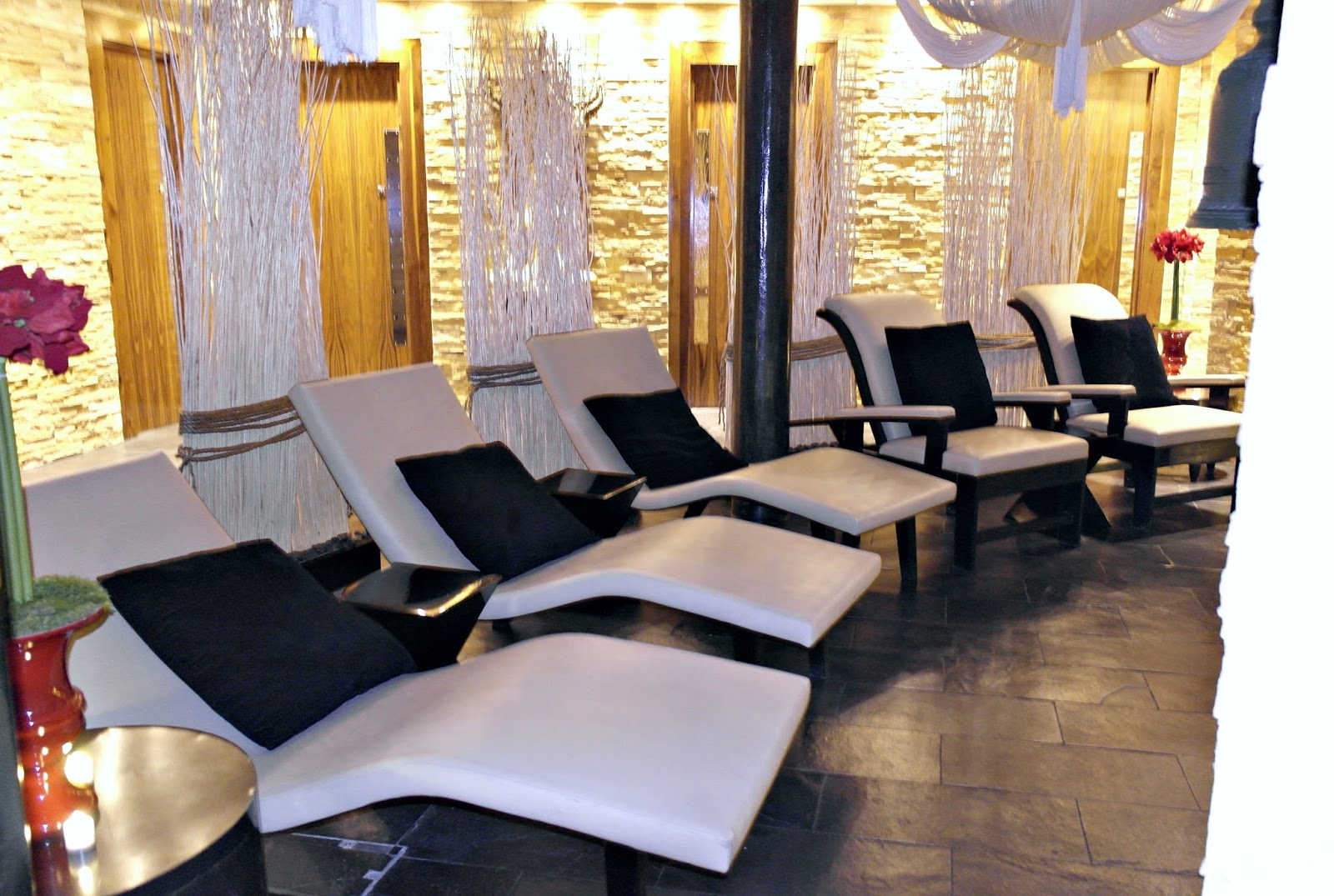 Thai Square Spa, London, review, chill out area, loungers