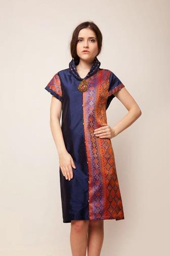 Contoh Baju Batik Kombinasi Polos Yang Kekinian