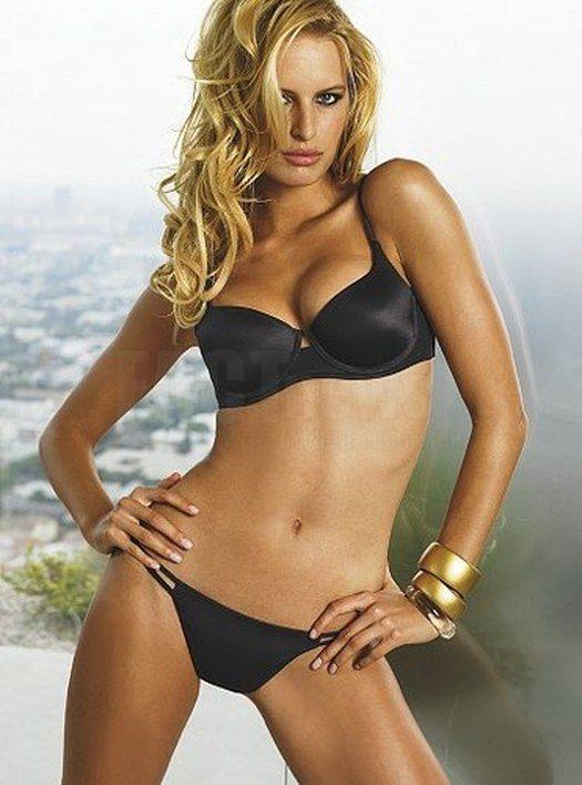 Celebrities in Hot Bikini: Karolina Kurkova - Super Model in Bikini