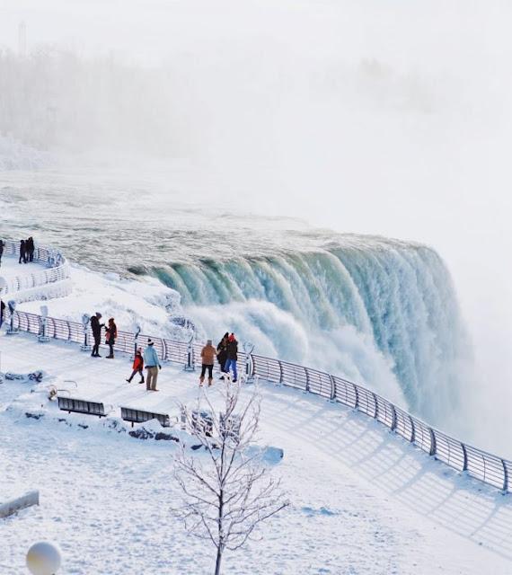 Cataratas del Niágara congeladas por las bajas temperaturas