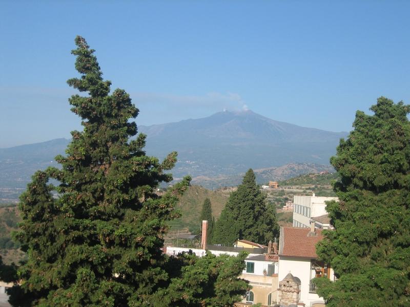 En las faldas del Etna: un paseo por Catania y Taormina