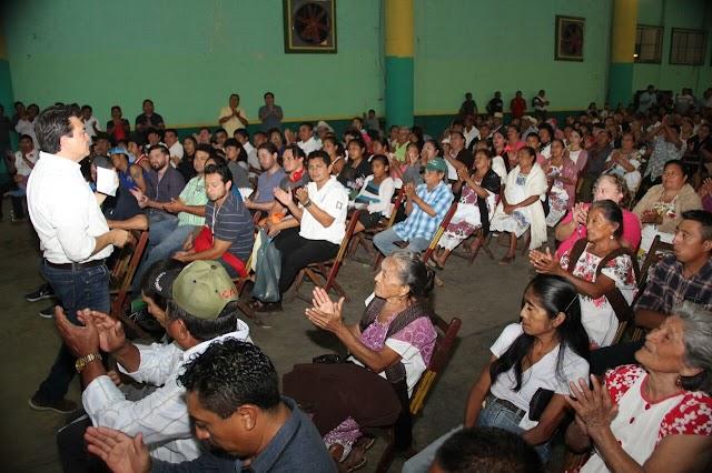 Campesinos y maestros dialogan con el #AmigoLibo