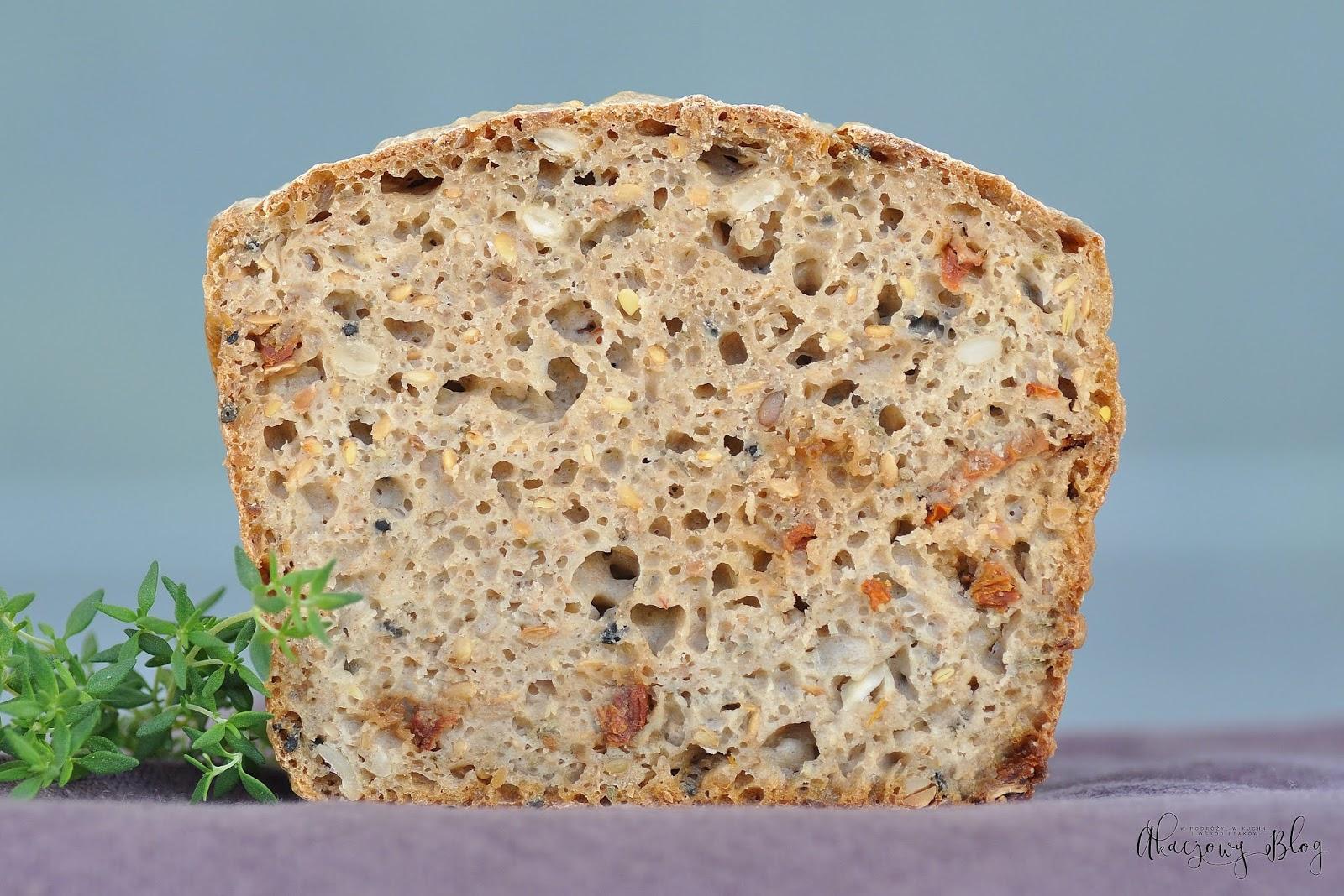 Chleb  śródziemnomorski żytnio - owsiany na zakwasie.