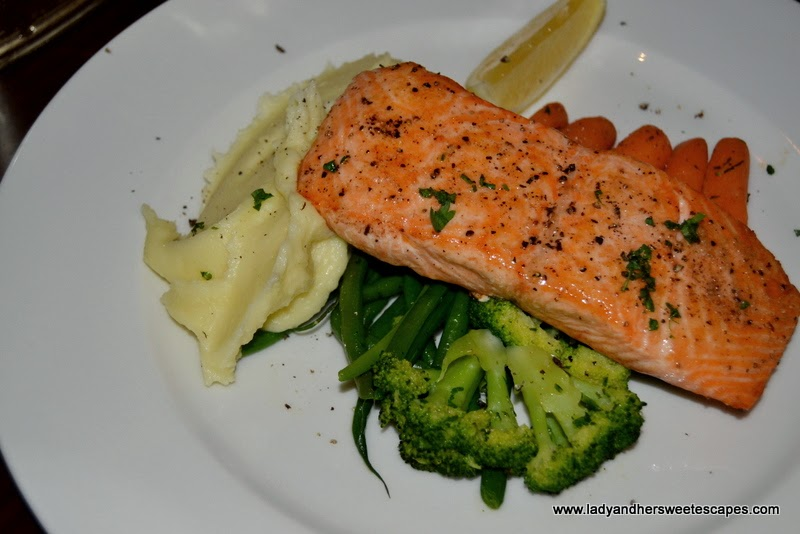 Mo's simply grilled salmon