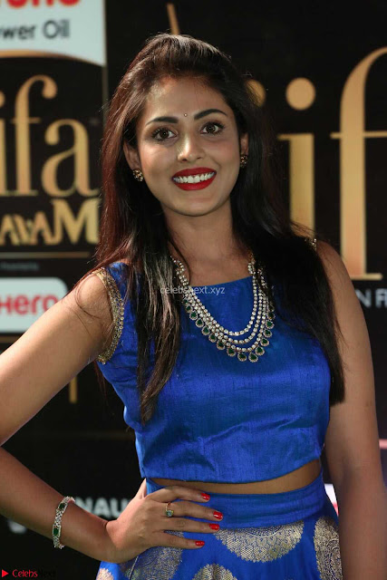 Madhu Shalini Looks Super Cute Slim trim Blue Choli Ghagra IIFA Utsavam Awards 029.JPG
