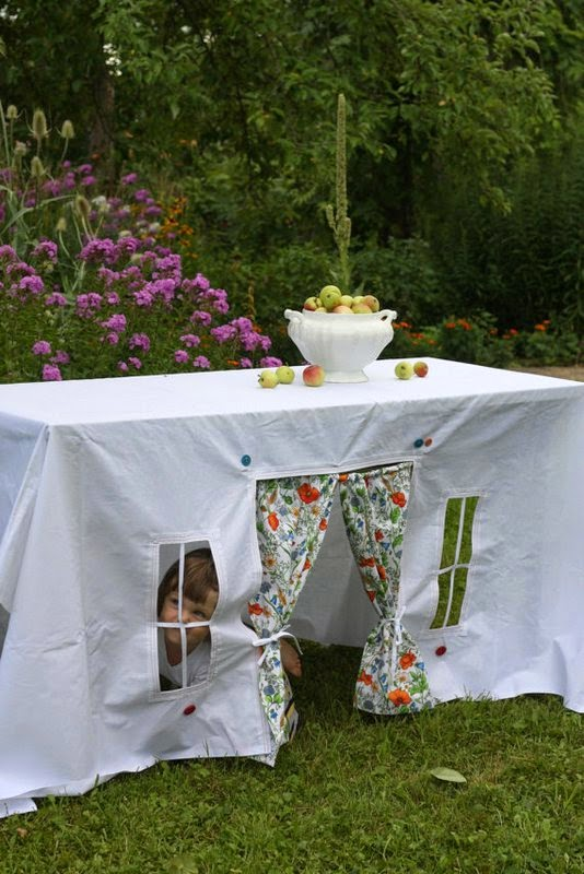 https://www.etsy.com/listing/159141751/flowered-summer-the-tablecloth-house?ref=favs_view_2