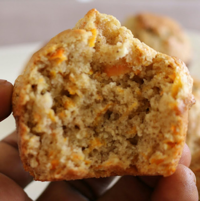 AROMATIC CARROT MUFFINS